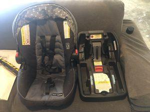 Infant car seat, base, and stroller for Sale in Lynnwood, WA
