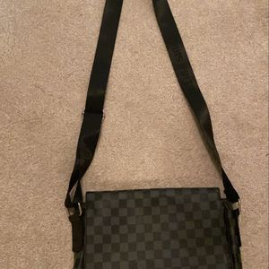 Lv Bag for Sale in Baltimore, MD