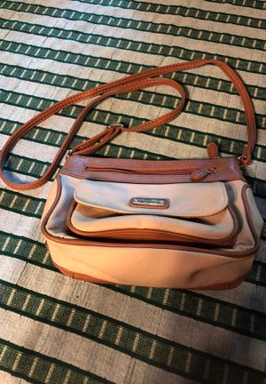 Kim Rogers beige and camel crossbody purse for Sale in Blythewood, SC