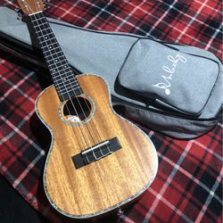Mulucky Ukulele for Sale in Los Angeles,  CA