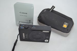 Canon PowerShot ELPH 530 HS / IXUS 510 HS 10.1MP Digital Camera - Black for Sale in Miami, FL