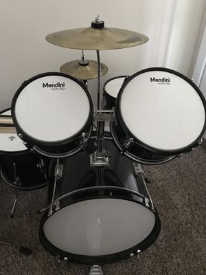 Drum set and table/chair set for Sale in Chicago, IL