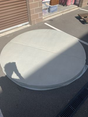 79inch DIAMETER- HOT TUB COVER for Sale in Seattle, WA
