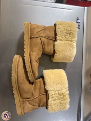 Ugg boots - brown. Size 9 for Sale in Chandler, AZ