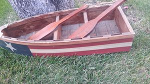 Small boat for decor with 2 paddles. Nice on the lawn for Sale in Oceanside, NY