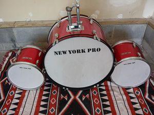 3 pice vintage professional drum set for Sale in Nashville, TN