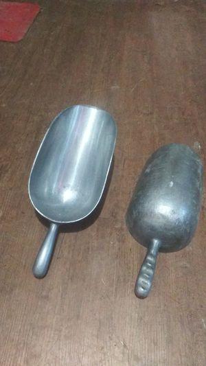2 cucharones de aluminio for Sale in Dallas, TX