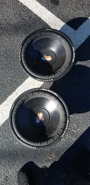 "2 15"" subwoofer and amp for sale for Sale in Atlanta, GA"