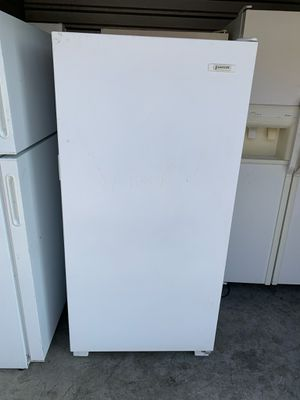 White Standing Up Signature Freezer for Sale in Phoenix, AZ