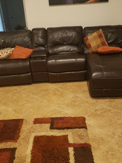 Leather Sofa Withth Chaise. for Sale in Wesley Chapel,  FL