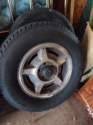 Dodge Dakota rims n tires for Sale in Mount Morris, MI