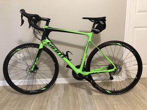 Bicycle (Giant Road Bike) for Sale in Tarpon Springs, FL