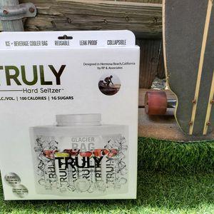 Brand new - TRULY - Beverage Cooler Bag for Sale in Glendora, CA