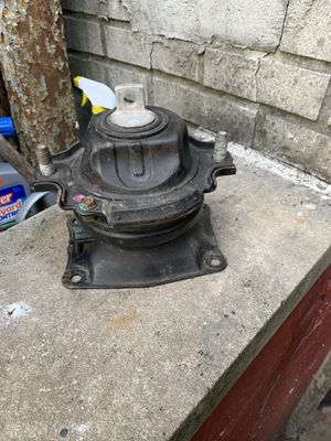 2005 honda odyssey Front motor mount for Sale in Queens, NY