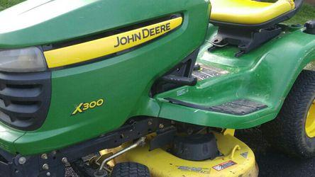 John Deere 300X Series Tractor for Sale in Ridgefield,  WA