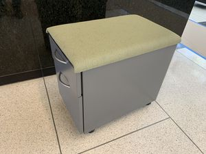 Two drawer file cabinet with wheels for Sale in Houston, TX