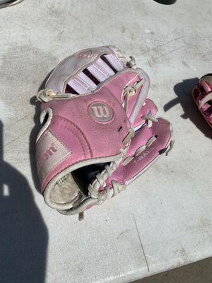 Wilson Girls Baseball/Softball Pink Glove for Sale in Sacramento, CA