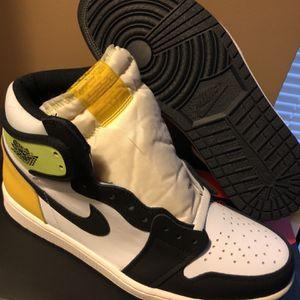 """Air Jordan 1 Retro High OG """"Volt Gold"""" for Sale in Chicago, IL"""