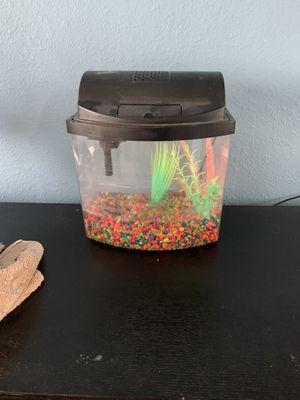 5 gallon fish tank for Sale in Gardena, CA