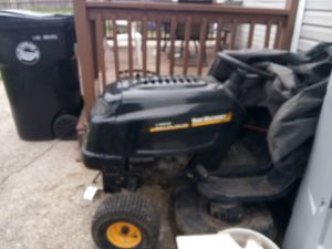 Ride on lawn mower for Sale in Cleveland, OH