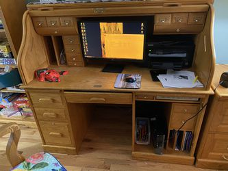 winner only roll top computer solid oak desk w chair has a lot of wear stains an needs a deep clean 15 years old as is for Sale in Manassas,  VA