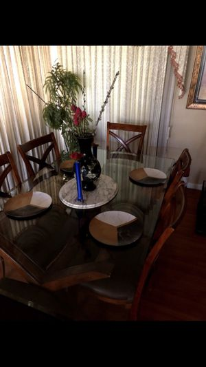 Dining room table for Sale in Pittsburg, CA
