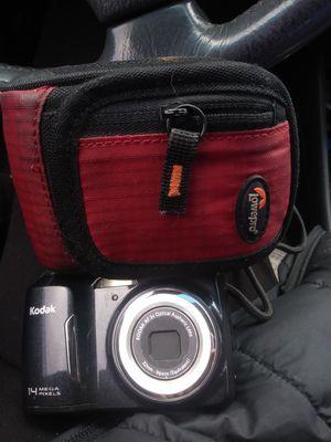 Kodak Easy Share 14 Megapixel Digital Camera with Case for Sale in Eugene, OR
