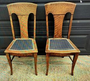 Antique Chairs solid Oak for Sale in Dallas, TX