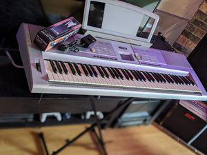 Yamaha DGX205 Touch Sensitive 76-Key Music Keyboard for Sale in Kirkland, WA