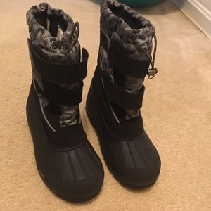 Lands End Snow Boots Size4 for Sale in Springfield, VA
