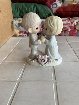 "Precious Moments Wedding Anniversary 25 years Couple Figurine ""Our Love Still Sparkles In Your Eyes"" for Sale in Cambridge, MA"