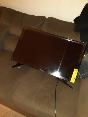 Samsung smart 32inch+remote for Sale in Lincoln, RI