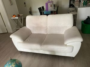 White Leather Loveseat for Sale in Hallandale Beach, FL