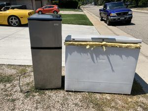 Free scrap freezer and refrigerator for Sale in Thornton, CO