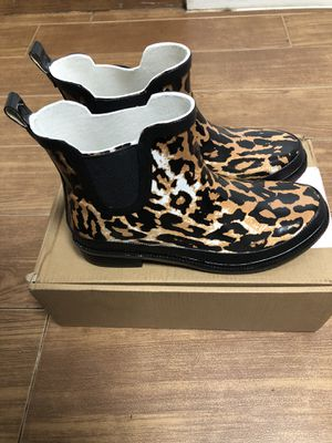 Journee Collection Tekoa Women's Rain Boots (Leopard Color, Size 8). Brand New, In Box. Botas Para La Lluvia for Sale in Miami, FL