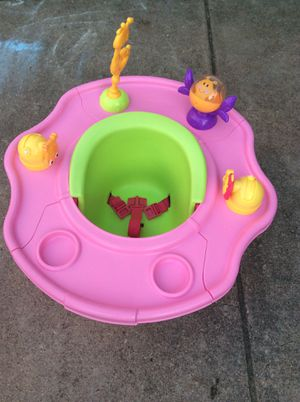 Booster seat spin and play. for Sale in Haltom City, TX