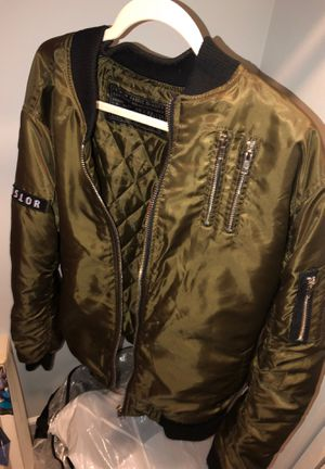 Bomber jacket 🧥 From Iverson Low Price PERFECT CONDITION 👌 for Sale in Takoma Park, MD