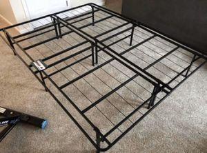New foldable queen platform bed frame for Sale in Trenton, OH
