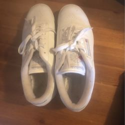 White Women Reebok 7.5 Sneakers for Sale in Quincy,  MA