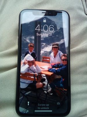 I PHONE XR for Sale in Detroit, MI