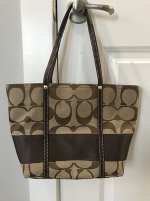 Coach purse bag 100% authentic for Sale in Herndon, VA