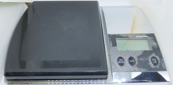 Salter Scale KG or LB Tested New Batteries Model 3025