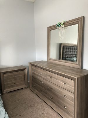 Bed frame, drawers for Sale in Bakersfield, CA