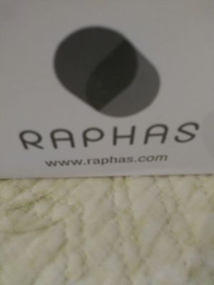 RAPHAS Acropass Ageless lifter Eyezone & Smileline $25 box for Sale in Altadena, CA