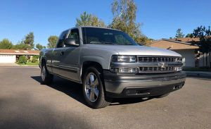 2001 Chevy Silverado AUTOMATIC for Sale in Baltimore, MD
