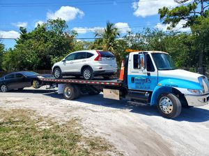 Flatbed Tow Truck Grúa for Sale in Miami, FL