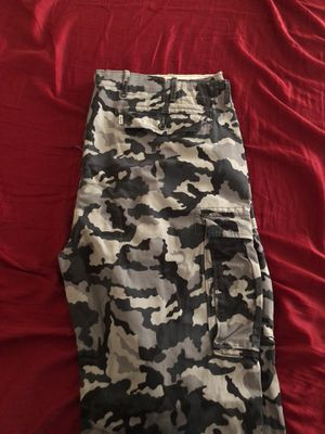 Levi's camo pants size 42 L30 (worn once) for Sale in Sunrise, FL