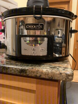 Crock-Pot 6.5 Qt. Stainless Oval Programmable Digital Slow Cooker w/ Auto Stir for Sale in Clifton, NJ