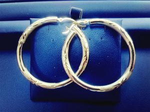 10K Solid White Gold Diamond Cut Brush/High Polish Hoop Earrings ~New~ for Sale in Milwaukee, WI