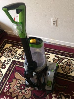 Washing and cleaning vacuum for Sale in Dallas, TX